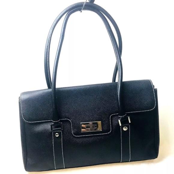 e1836ccc1b Rafe New York Black Classic Textured Leather Bag. M 5b90abf98869f75b0bb5423f